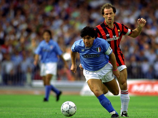为什么阿根廷球王马拉多纳意甲进球数常年在10球以下?